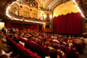 evian-theatre-public-copier-5778